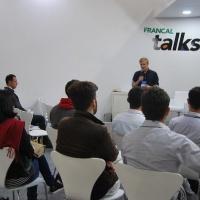 Design e Marketing na prática marcam Talk Shoe da Francal