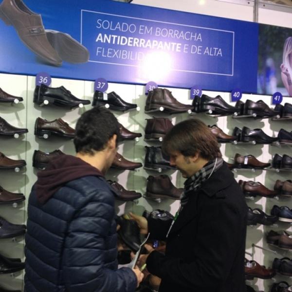 Em feira gaúcha, rede argentina anuncia compra de US$ 370 mil em calçados brasileiros