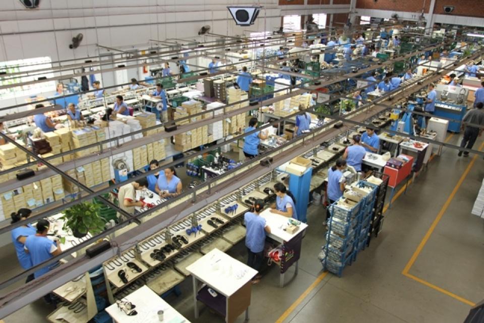 956c60dabad5f ... Grande do Sul é o maior exportador de calçados do Brasil. Até novembro  de 2017, os gaúchos embarcaram o equivalente a US$ 406,86 milhões, ...